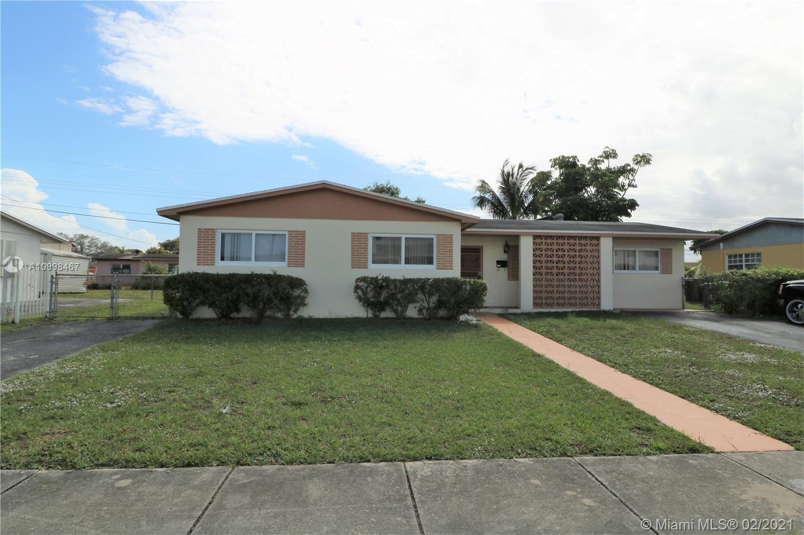 1432 NW 196th St, Miami Gardens, FL 33169 - #: A10998467