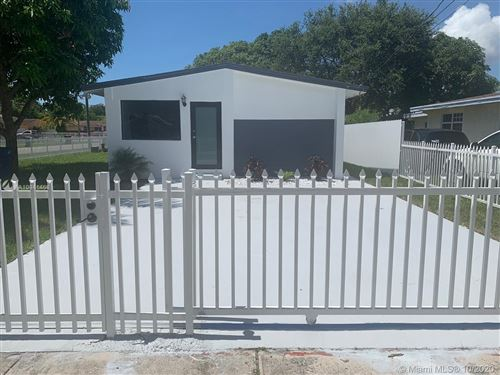 Foto de inmueble con direccion 290 NE 171st Ter North Miami Beach FL 33162 con MLS A10941468
