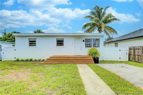 Photo of Listing MLS a10889469 in 5605 Mayo St Hollywood FL 33023