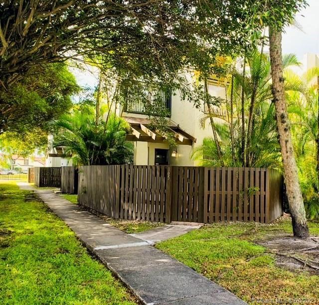 9940 NW 9th Street Cir #105, Miami, FL 33172 - #: A11055470