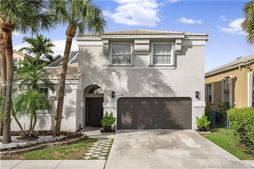 Photo of Listing MLS a10860471 in 1541 NW 159th Ave Pembroke Pines FL 33028