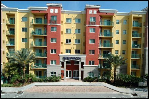 Photo of 6001 SW 70 St #325, South Miami, FL 33143 (MLS # A10987473)