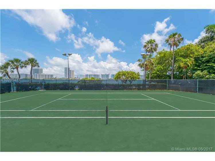 Foto 7 del inmueble MLS a10280477 en 23 Star Island Dr Miami Beach