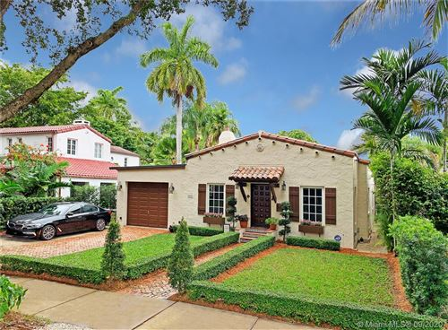 Photo of 537 San Lorenzo Ave, Coral Gables, FL 33146 (MLS # A10923478)