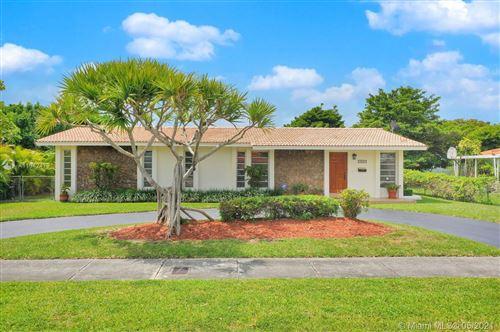 Photo of 9980 SW 34th St, Miami, FL 33165 (MLS # A11042479)