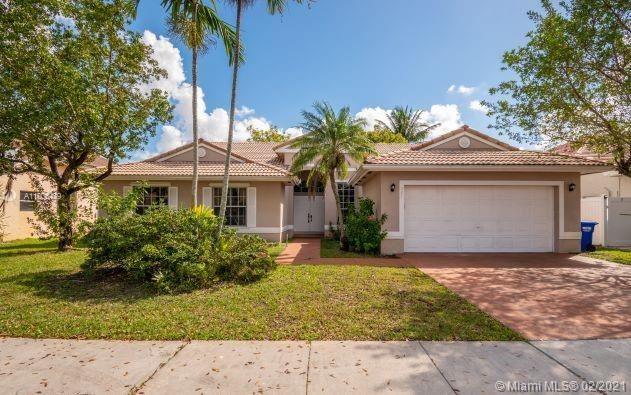 Photo of 327 SW 185th Ter, Pembroke Pines, FL 33029 (MLS # A11005479)