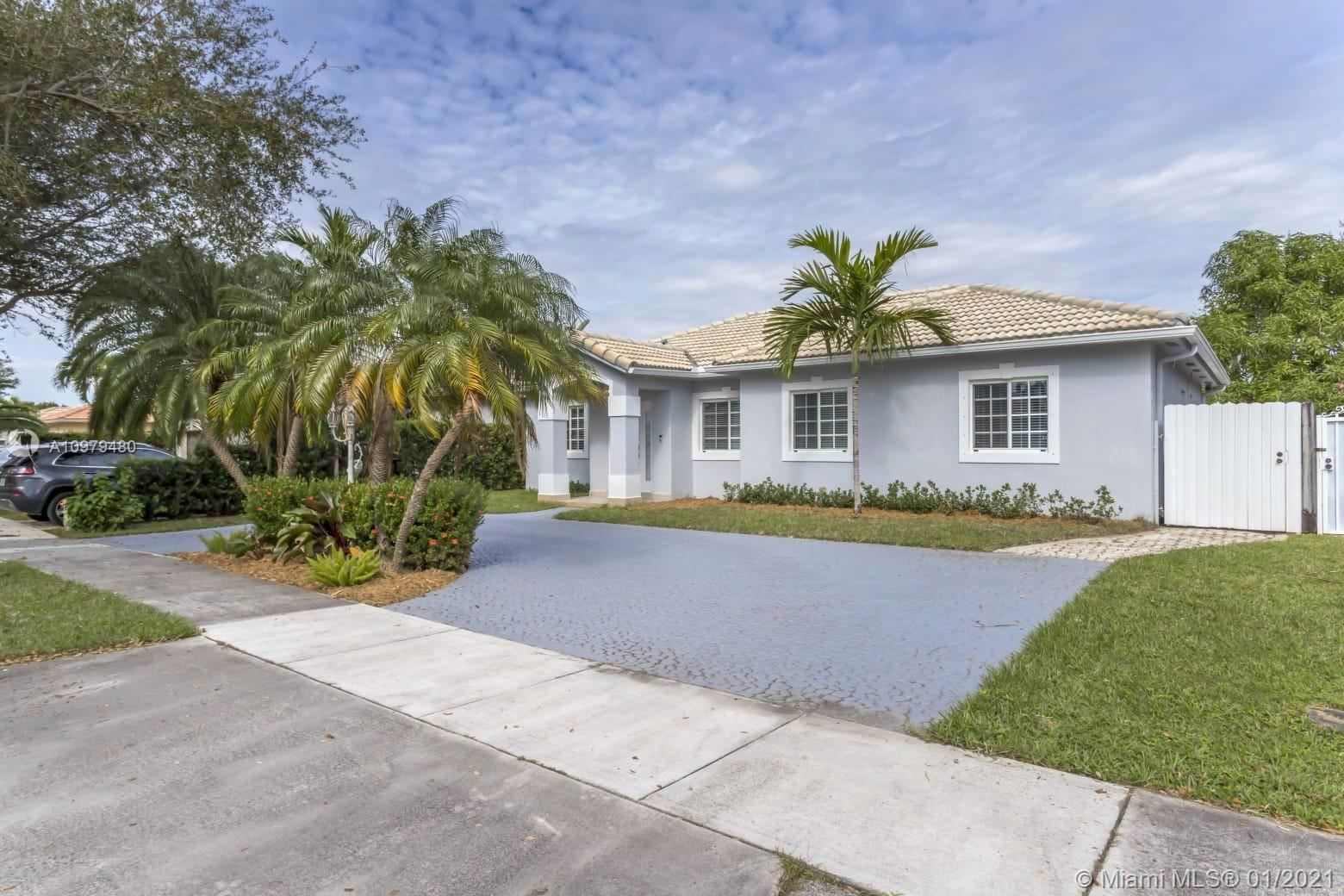 9025 NW 164th St, Miami Lakes, FL 33018 - #: A10979480