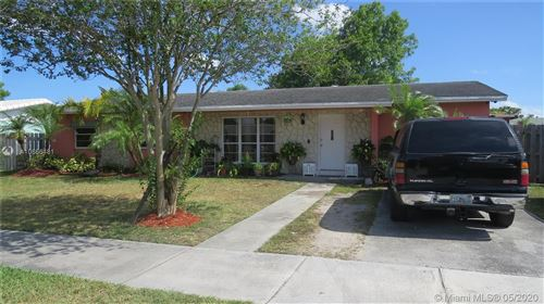 Photo of Listing MLS a10856481 in 11034 SW 154th Ter Miami FL 33157