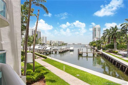 Foto de inmueble con direccion 7918 Harbor Island Dr #112 North Bay Village FL 33141 con MLS A10907481