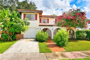 Photo of Listing MLS a10769483 in 909 Granada Groves Ct Coral Gables FL 33134