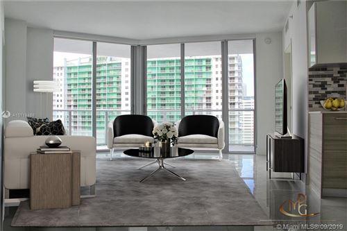 Foto de inmueble con direccion 1300 Brickell Bay Dr #3107 Miami FL 33131 con MLS A10719488