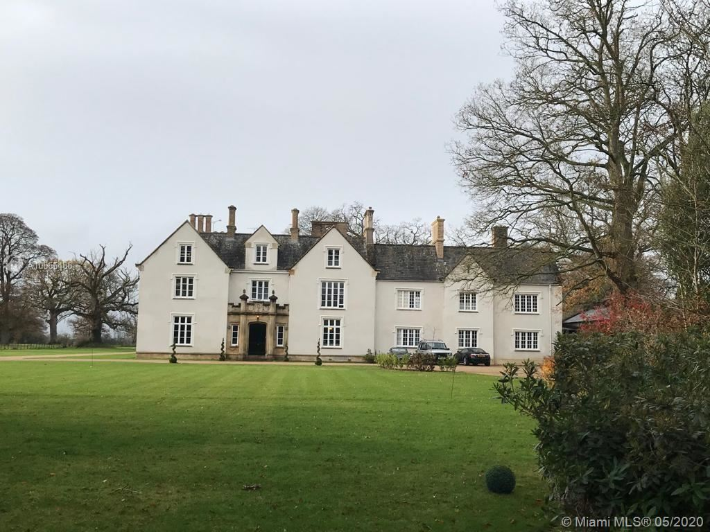 MOUNTYS COURT LONDON, Other Country - Not In USA, FL  - #: A10866488