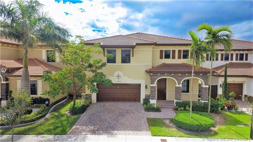 Photo of 9852 NW 87 TER, Doral, FL 33178 (MLS # A11043490)