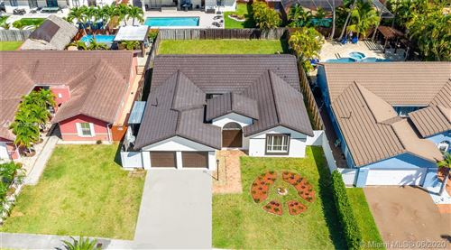 Photo of Listing MLS a10835492 in 14821 SW 170th Ter Miami FL 33187