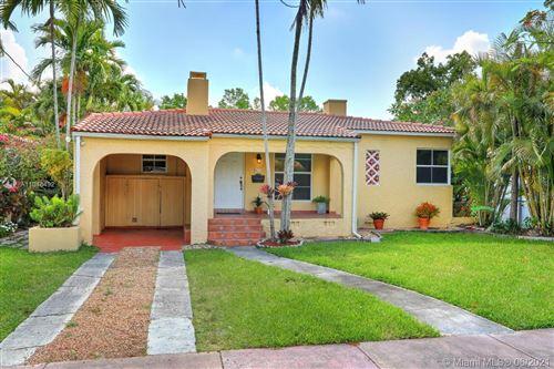 Photo of 829 Granada Groves Ct, Coral Gables, FL 33134 (MLS # A11048492)