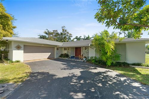 Photo of Listing MLS a10858494 in 8840 SW 162nd St Palmetto Bay FL 33157