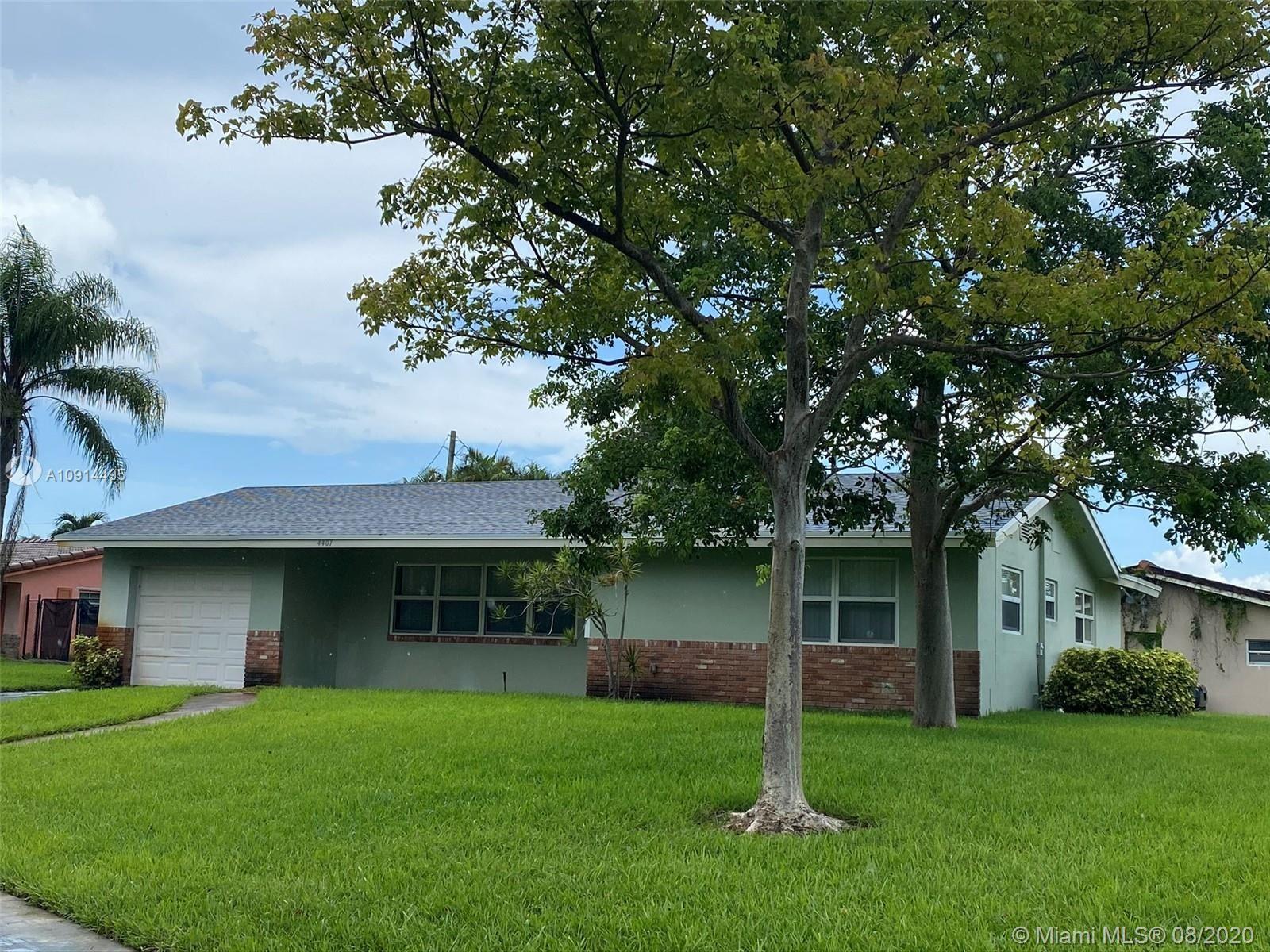 4401 NW 7th St, Coconut Creek, FL 33066 - #: A10914495