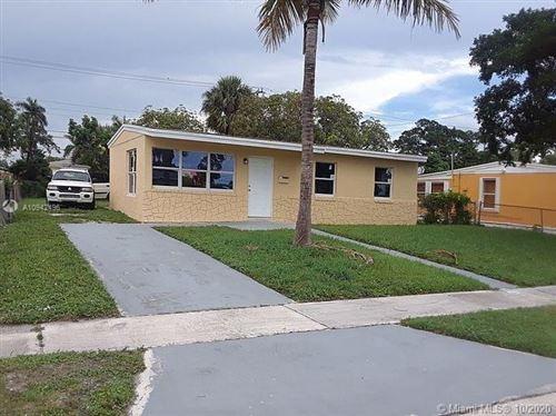 Photo of 1365 11th St, West Palm Beach, FL 33401 (MLS # A10942496)