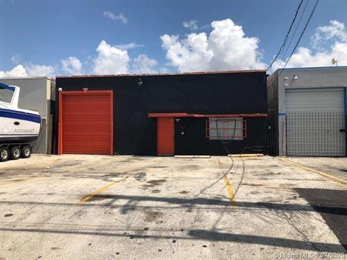 Photo of 689 W 26th St, Hialeah, FL 33010 (MLS # A10896497)