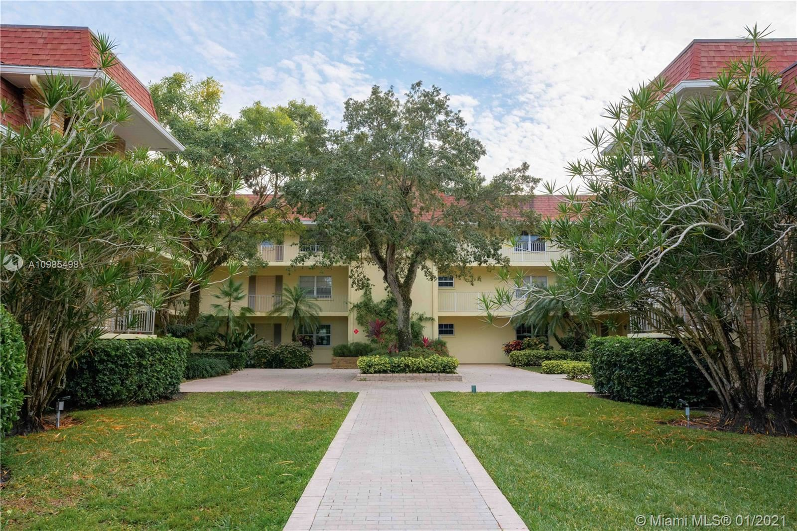 Photo of 5510 Tamberlane Cir #146, Palm Beach Gardens, FL 33418 (MLS # A10985498)