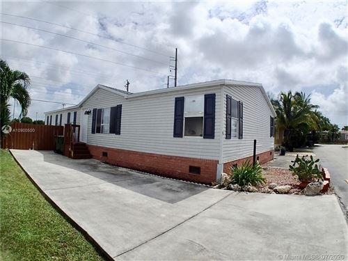 Foto de inmueble con direccion 220 NE 12th Ave #9 Homestead FL 33030 con MLS A10900500