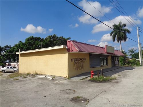 Photo of 262 E 7th St, Pahokee, FL 33476 (MLS # A10775501)