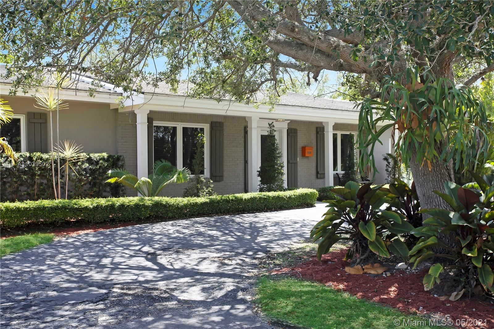 Photo of 1400 Campamento Ave, Coral Gables, FL 33156 (MLS # A11039502)