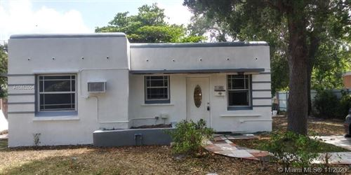 Photo of Listing MLS a10852504 in 1160 NE 131st St North Miami FL 33161