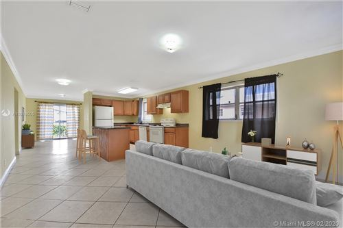 Foto de inmueble con direccion 5203 Flagler St Hollywood FL 33021 con MLS A10818505