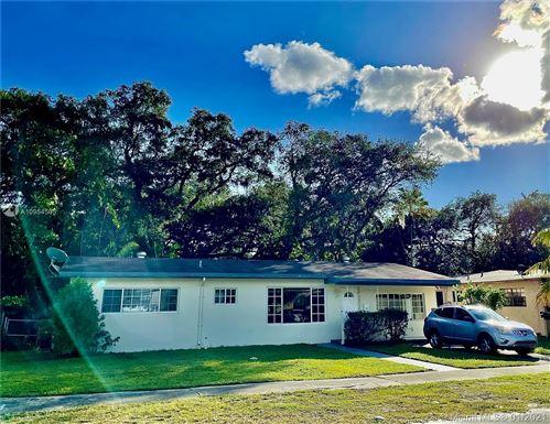 Photo of 944 NE 154th St, Miami, FL 33162 (MLS # A10954505)