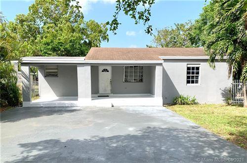 Photo of 571 SE 2nd St, Hialeah, FL 33010 (MLS # A11018505)