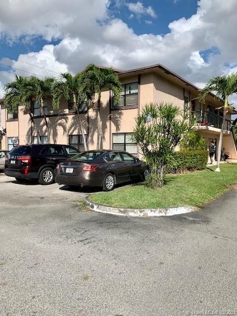 Photo of 2555 W 67th Pl #12-33, Hialeah, FL 33016 (MLS # A11005506)