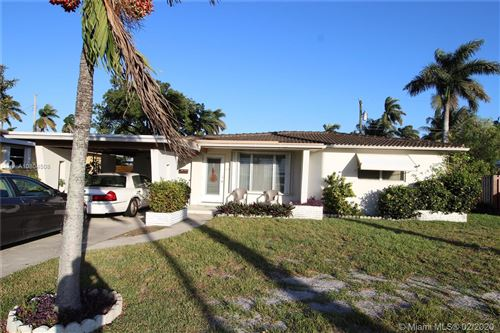 Photo of 615 N 31st Ct, Hollywood, FL 33021 (MLS # A10804508)