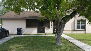 Photo of Listing MLS a10656510 in 5987 SW 66th St South Miami FL 33143