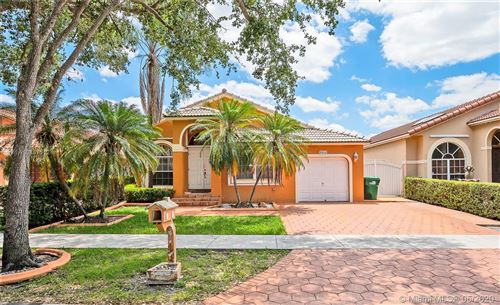 Photo of Listing MLS a10857512 in 8844 NW 153rd Ter Miami Lakes FL 33018
