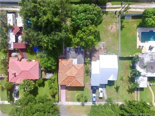 Foto de inmueble con direccion 525 De Leon Dr Miami Springs FL 33166 con MLS A10887513