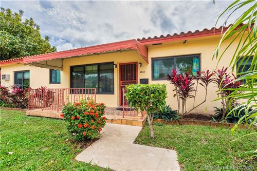 Photo of Listing MLS a10809514 in 2484 SW 25th St Miami FL 33133