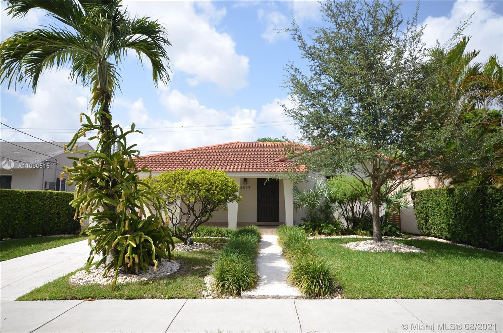 4529 SW 1st St, Miami, FL 33134 - #: A11090515