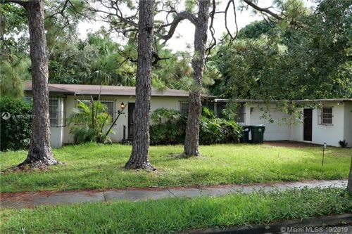 Photo of Listing MLS a10752517 in 6250 SW 42nd Ter South Miami FL 33155