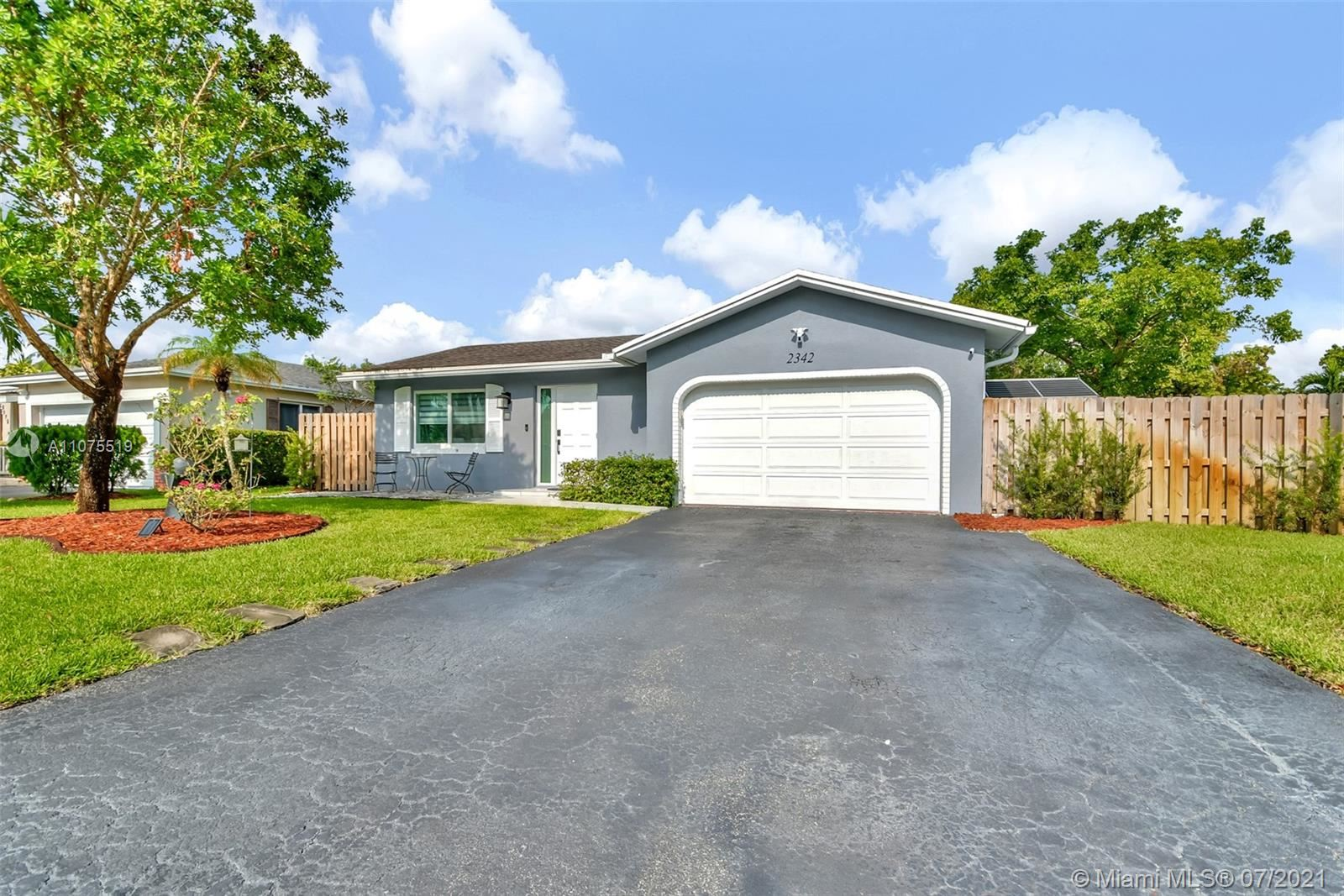 2342 NW 98th Ln, Coral Springs, FL 33065 - #: A11075519