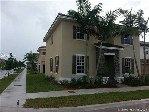 Foto de inmueble con direccion 17070 SW 91st St Miami FL 33196 con MLS A10811520