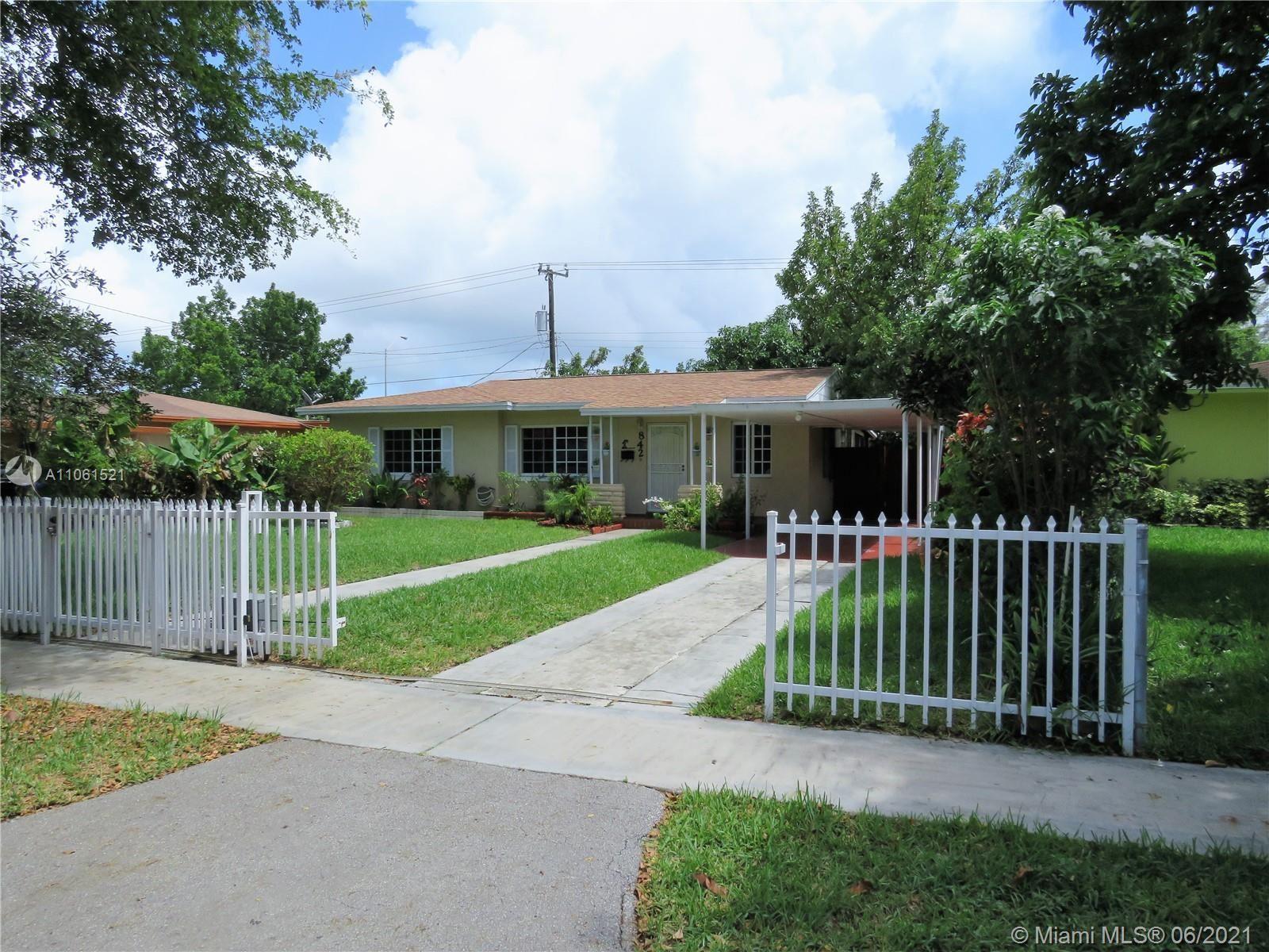 842 NE 160th St, North Miami Beach, FL 33162 - #: A11061521