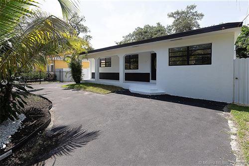 Foto de inmueble con direccion 458 NE 165th St Miami FL 33162 con MLS A10858522