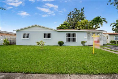 Photo of 4624 SW 128th Pl, Miami, FL 33175 (MLS # A11098522)