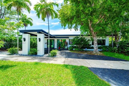 Photo of 1600 Cleveland Rd, Miami Beach, FL 33141 (MLS # A11116522)