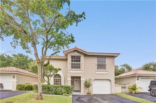 Photo of Listing MLS a10891524 in 1237 Seagrape Cir Weston FL 33326