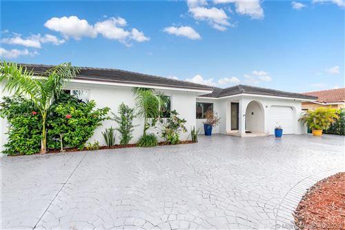 Photo of 117 SW 136th Pl, Miami, FL 33184 (MLS # A10939524)