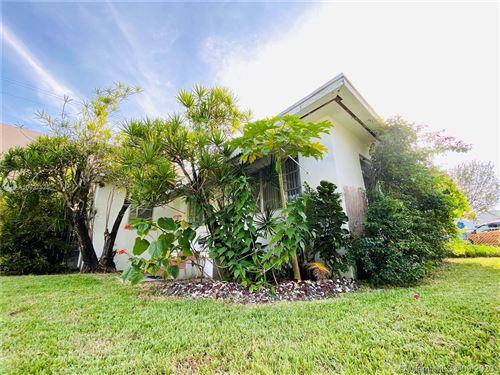 Photo of North Miami Beach, FL 33181 (MLS # A10927525)