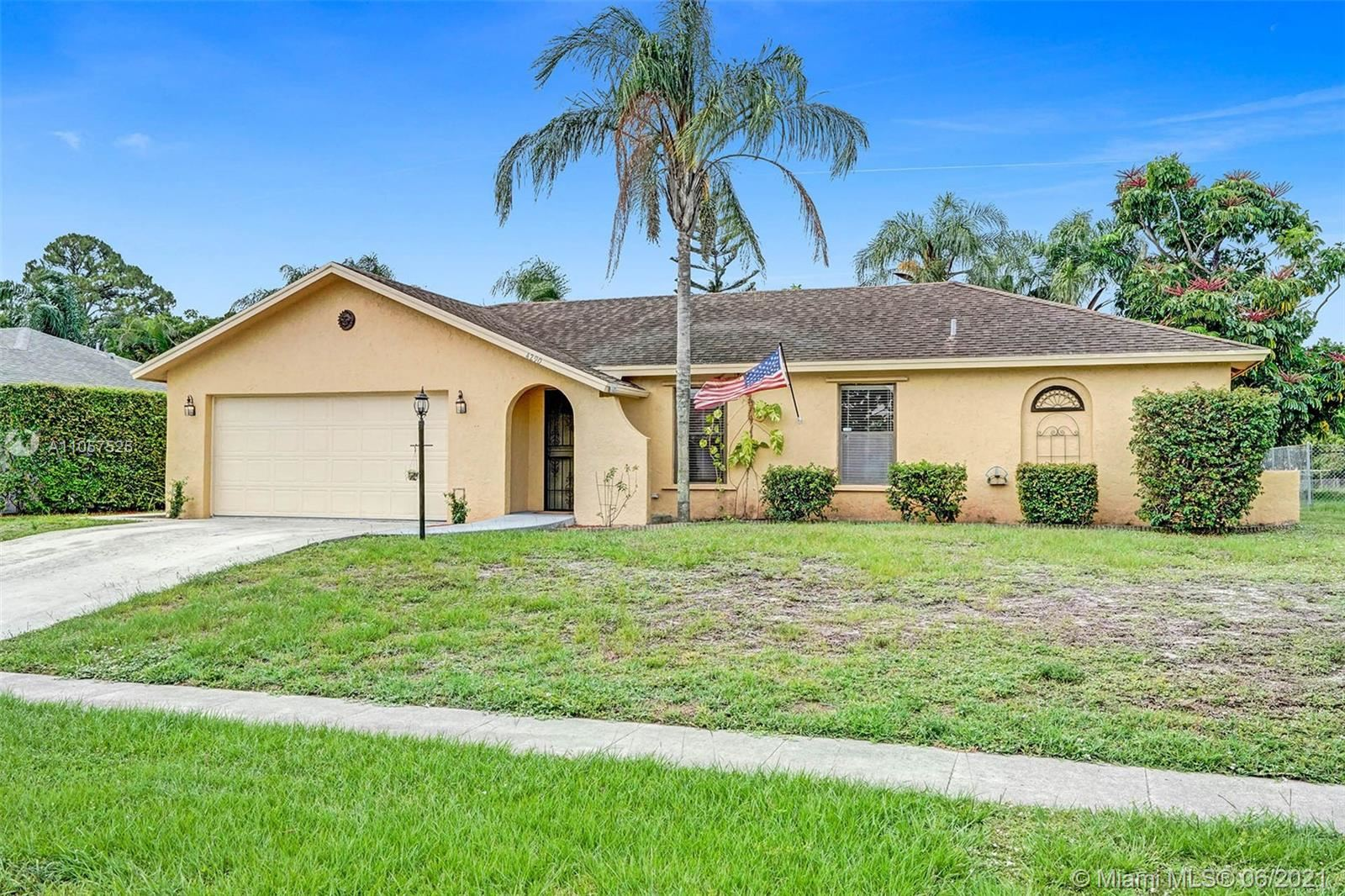 4290 Mediterranean Rd, Lake Worth, FL 33461 - #: A11057525