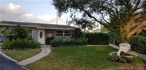 Photo of Listing MLS a10807527 in 1250 SW 51st Ter Plantation FL 33317
